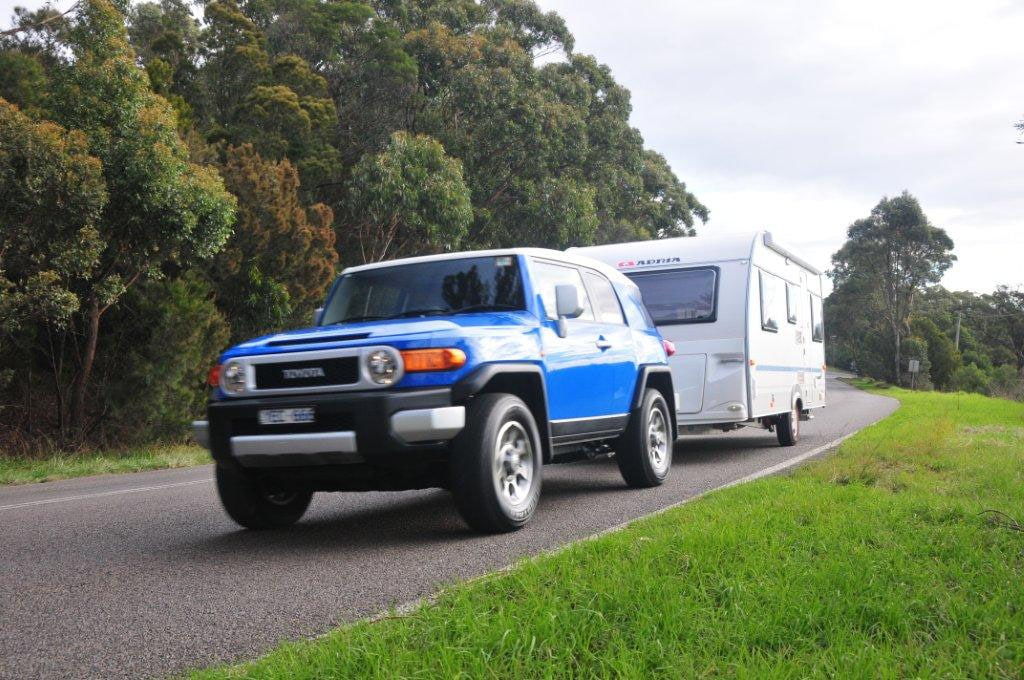 Toyota fj cruiser towing capacity