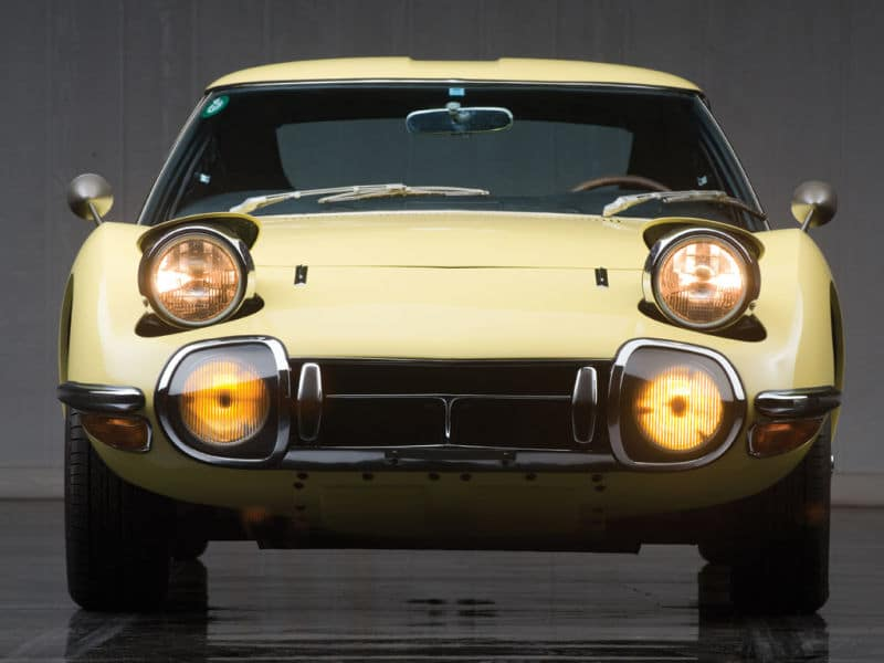 Toyota 2000GT front view