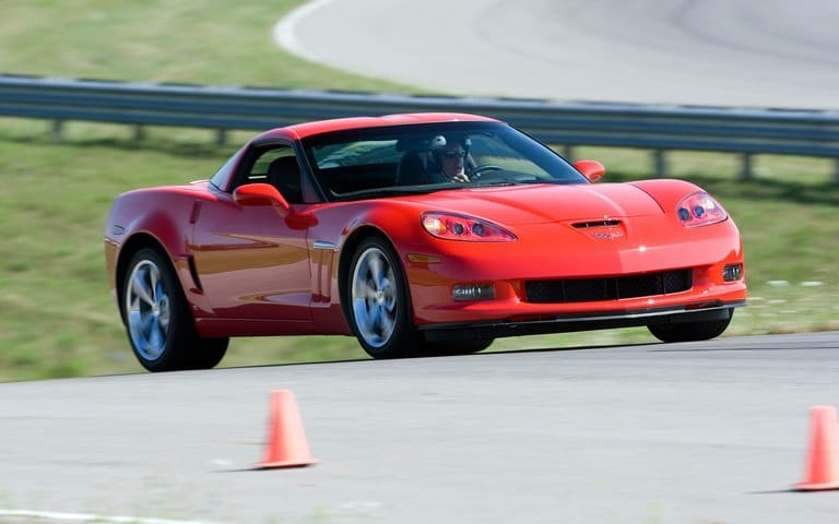 best sports cars under 30k 2012-Chevrolet-Corvette-Grand-Sport