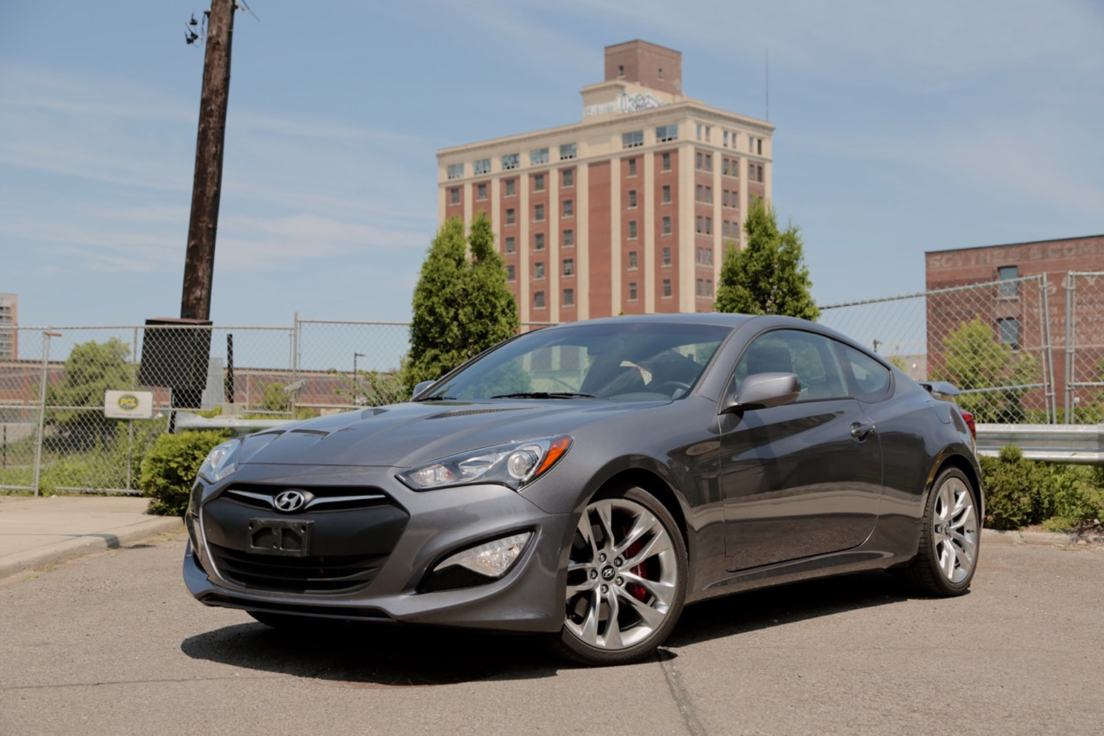 best sports cars under 30k 2016-Hyundai-Genesis-Coupe-3.8-R-Spec-1