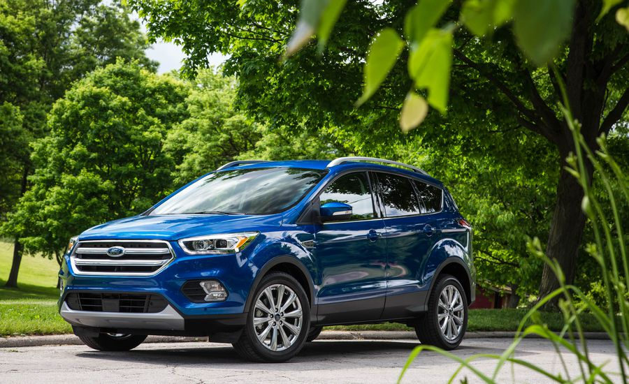 best sports cars under 30k 2018-ford-escape-se