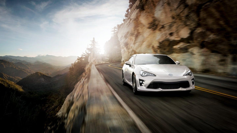 best sports cars under 30k 2019-Toyota-86