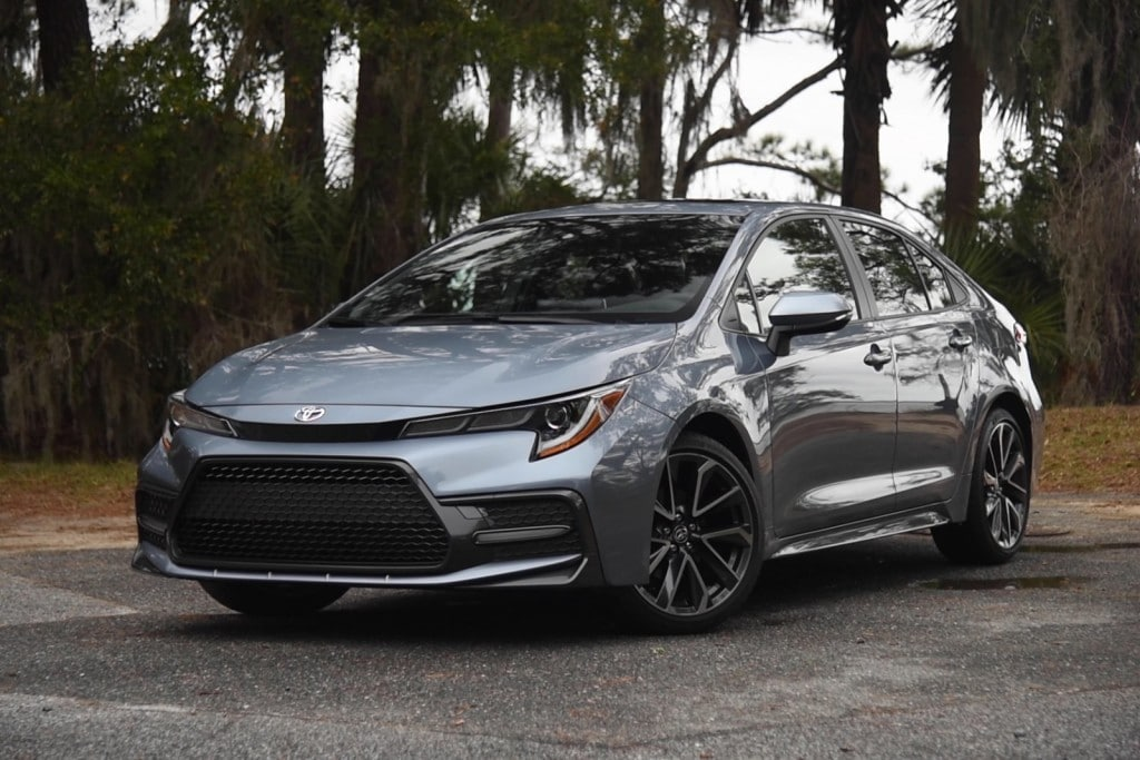 2020-Toyota-Corolla-cars-under-30k
