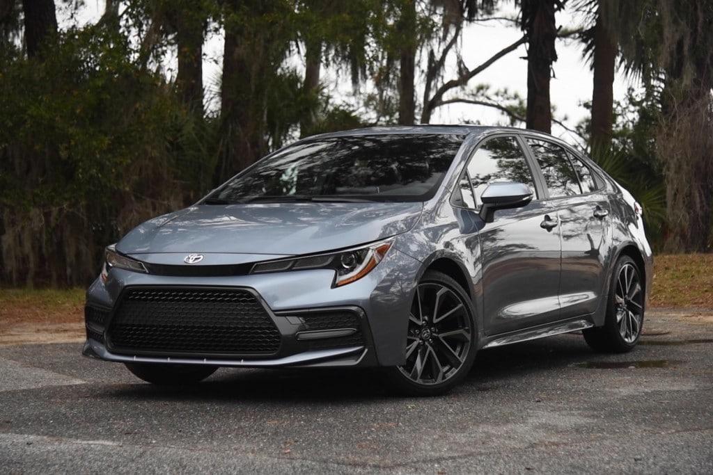 2020-Toyota-Corolla-cars-under-30k