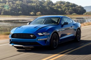 2020-ford-mustang-ecoboost-coupe-cars-under-30k