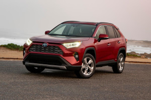 2020-toyota-rav4-hybrid-cars-under-30k